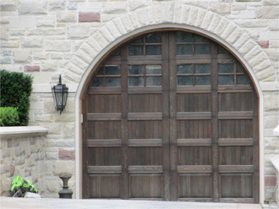 Selecting a New Residential Garage Door for Your Mississauga Home