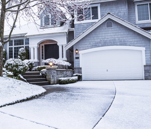 Tips on Opening a Frozen Garage Door