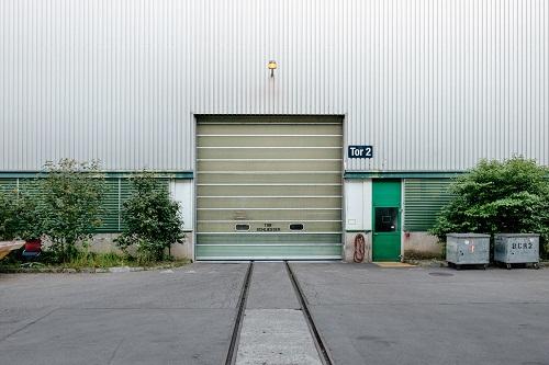 Insulated Garage Doors versus Non-insulated Garage Doors