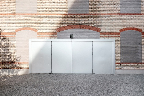 Six Tips for Selecting and Buying a New Garage Door