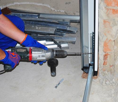 Troubleshooting Garage Door Operating Issues